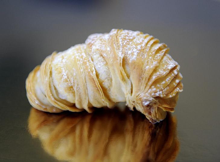 Aragosta tipica del Sud Italia con Crema Pasticcera