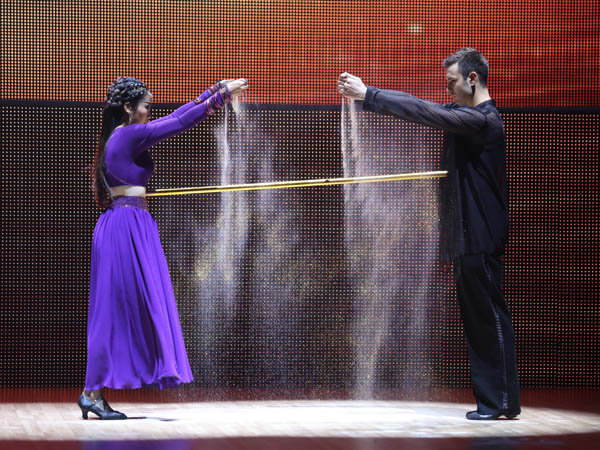 Atanas Malamov Dances in Dancing with the Stars Vietnam with Oc Thanh Vanh