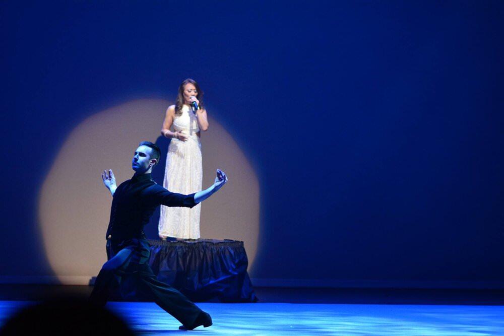 Atanas malamov dances at a singer's performance