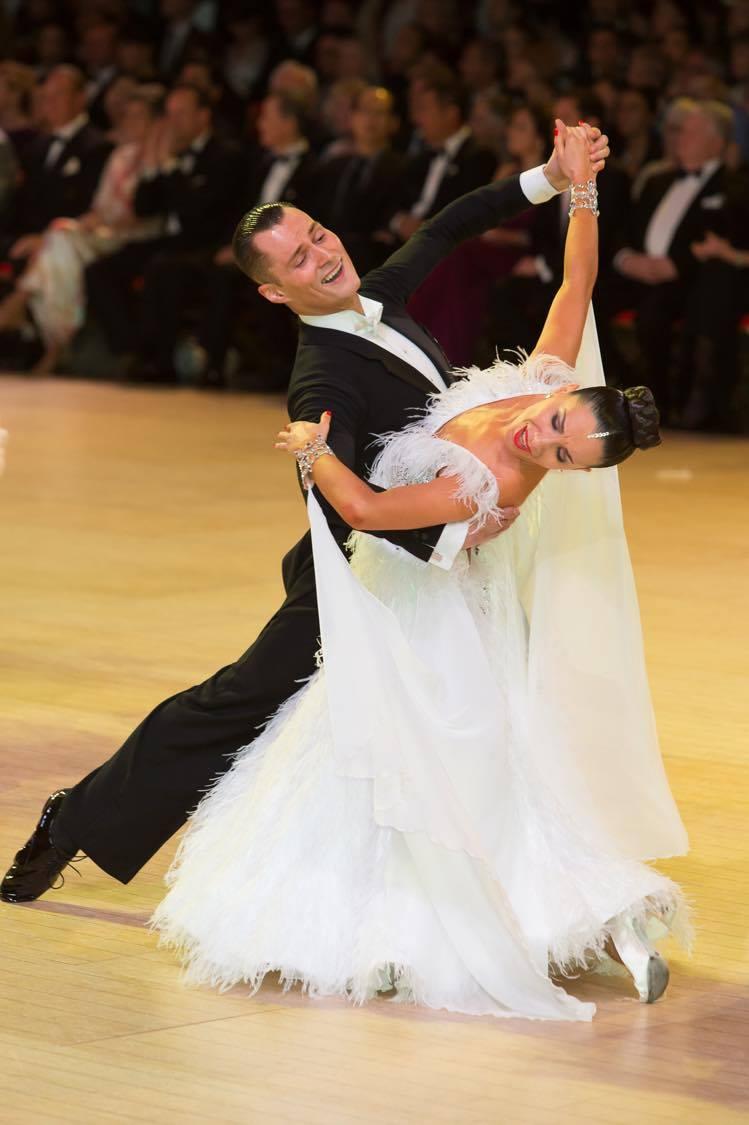 A picture of Marat Gimaev and Alina Basyuk dancing waltz