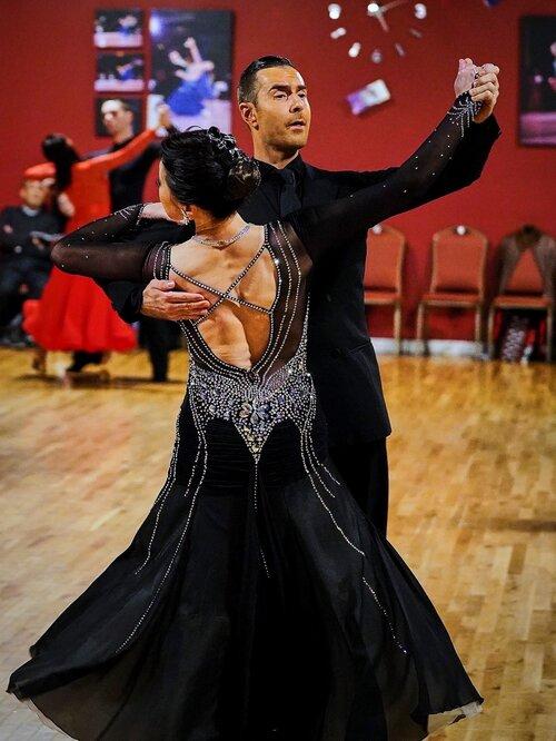 Atanas and pro-am Student Etsuko Dance Foxtrot