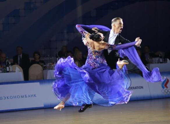 Issac Newton's law of Inertia in Ballroom Dance.jpg