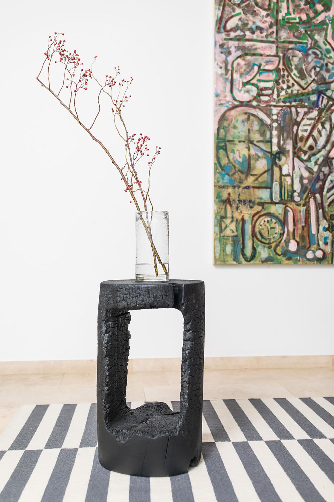IMG Alexia Werrie gallery Kaspar Hamacher design burned wood table black in belgian oak art gallery