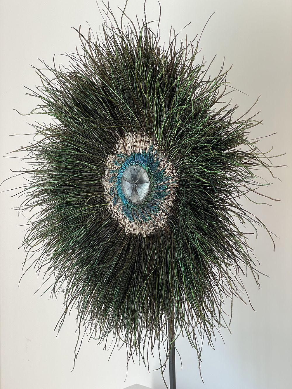 IMG Alexia Werrie Gallery Tervuren Florence Coenraets sculpture feathers plumes