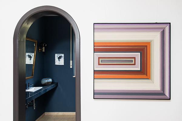 Alexia Werrie Gallery Helene Dawans Abstract painting on wood orange art gallery tervuren