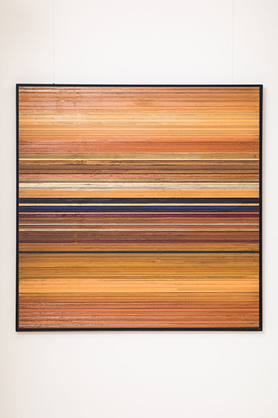 Abstract painting on wood created by Hélène Dawans.Since 2011, the painter explores painting on wooden panels previously used by carpenters. Helene Dawans lives and works in Belgium.