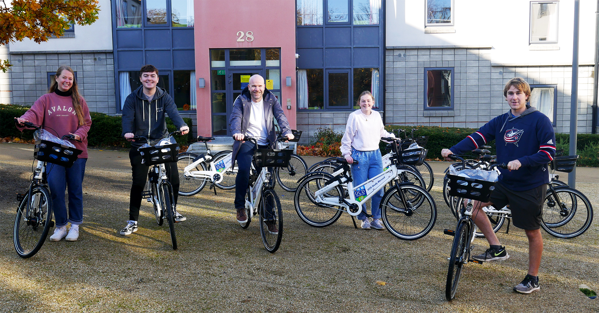 UCD Study Abroad students with Bleeper bikes