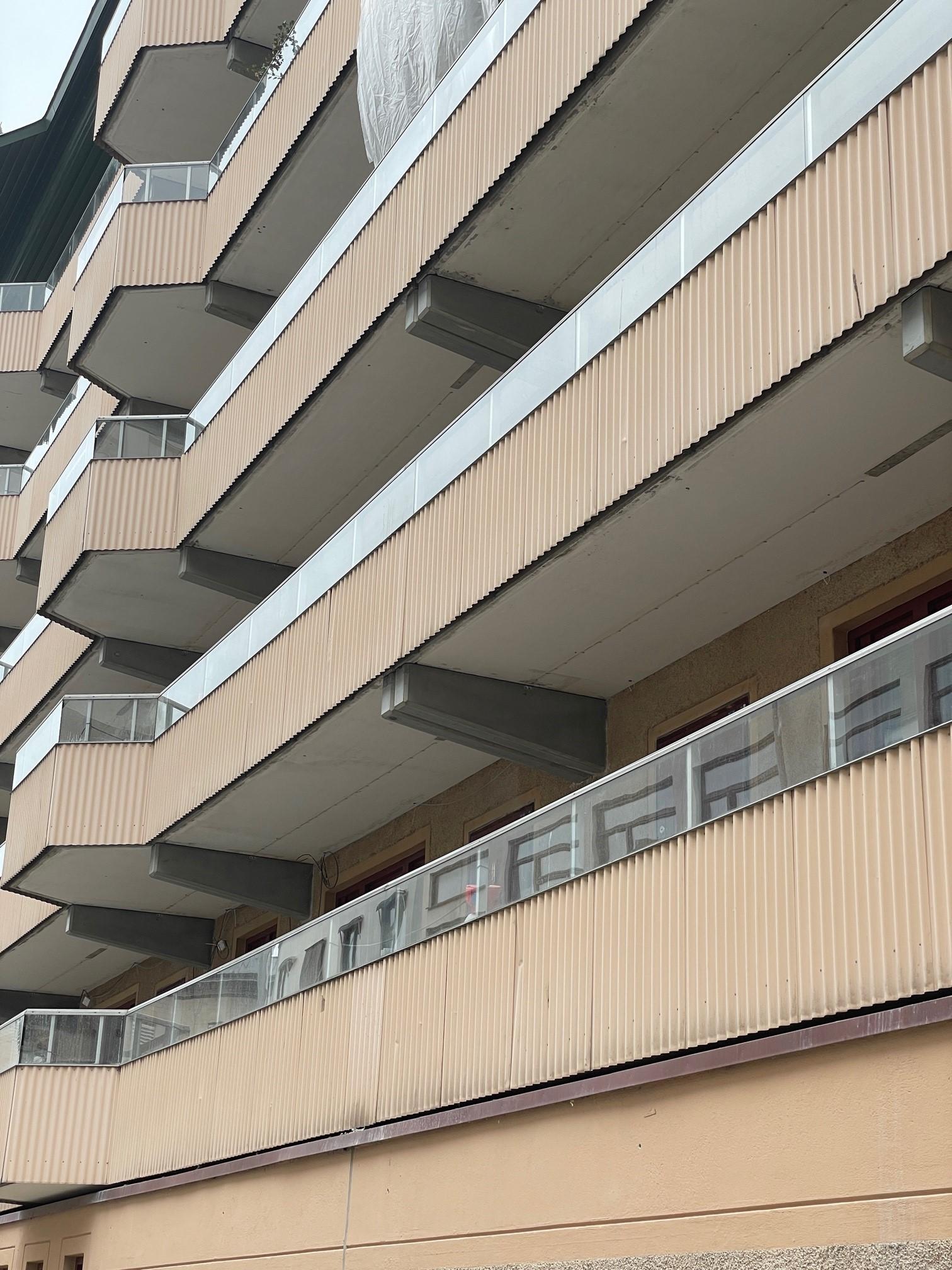 Betong, betongarbeten i Stockholm, vattenbilning, konsolrenovering, bostadsrättsförening , armering, gjutning