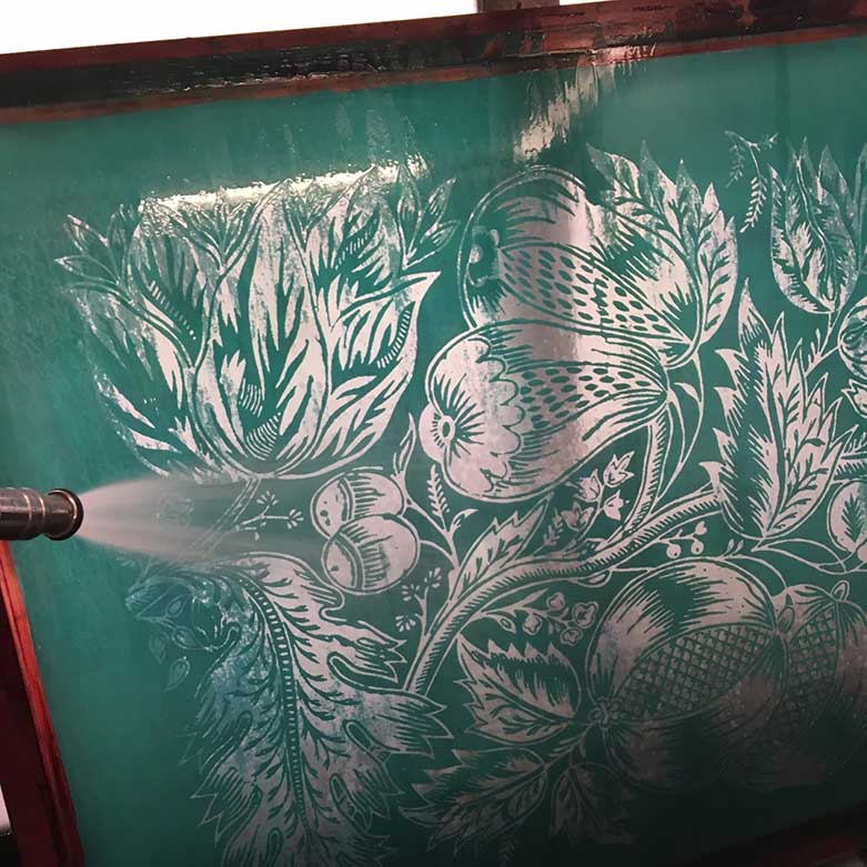 the rinsing of a fabric printing schreen