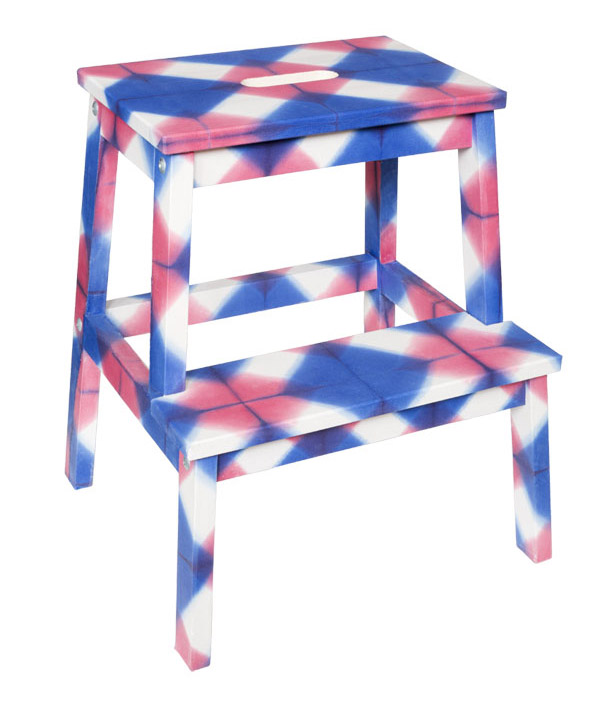 A blue and pink Ikea stol