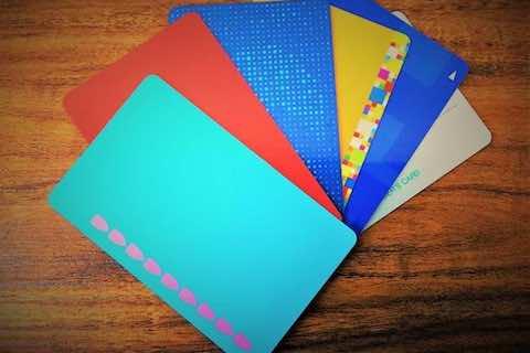 色の印象を使ってポイントカードをおしゃれにデザインするには?