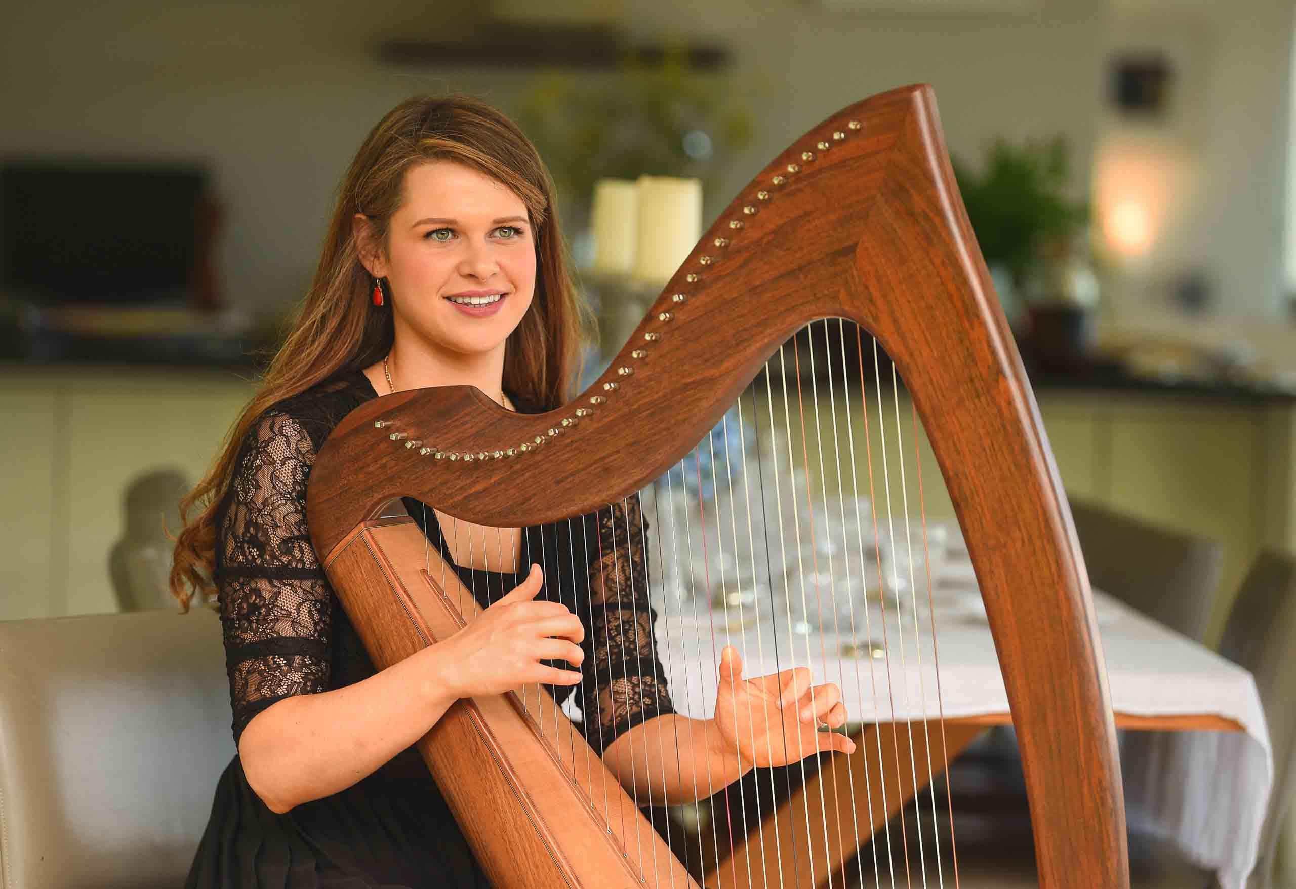 Secret Ireland Escapes_Home Exp.-Classical 03_Harpist