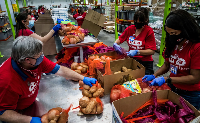 Article - Families Strained by the Pandemic Are Turning to Food Banks Struggling to Keep Up