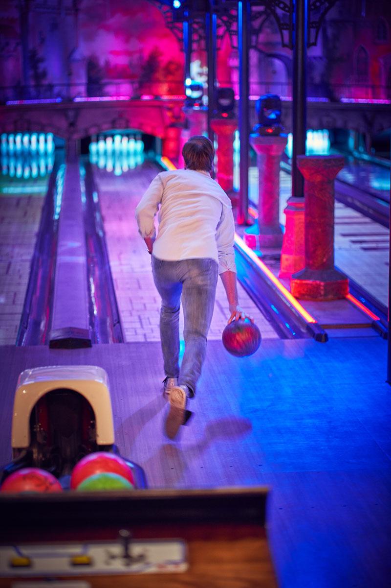 Bowlingbaan met man