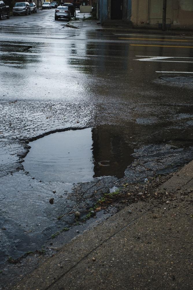 Nid de poule : le réseau routier français en mauvais état