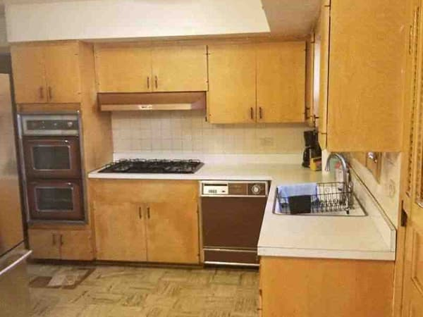 A kitchen before remodeling  in Chicago, Illinois.