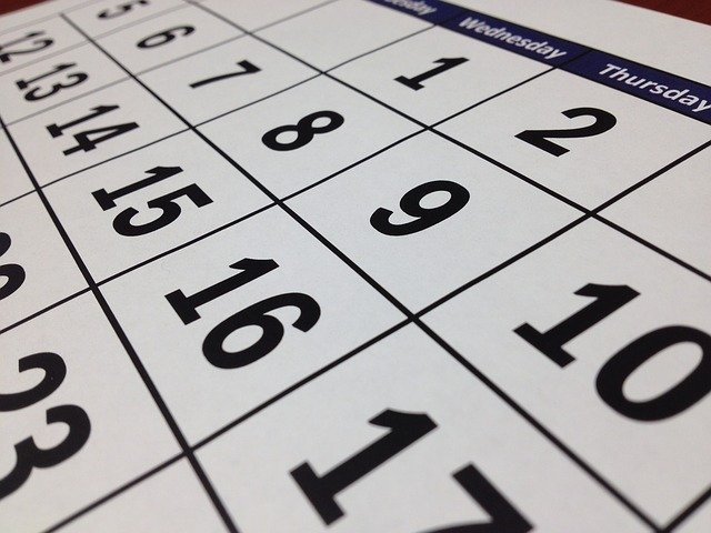 Calendar with various dates illustrating the challenge of knowing when to take the MCAT