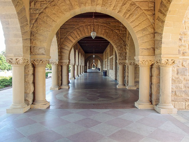 How to Get Into Stanford Medical School: An Applicant's Guide