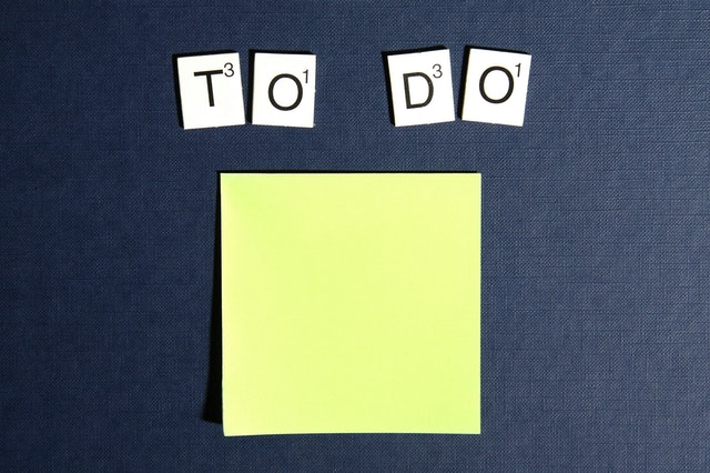 Sticky note with to do written above depicting starting to prepare for a residency interview