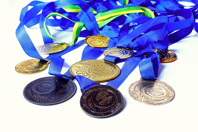 Various medals illustrating the 10 best residency programs in the US