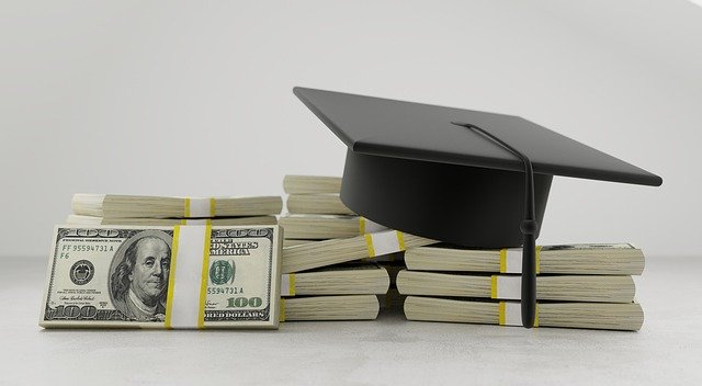 How To Get Medical School Scholarships: The Ultimate Guide