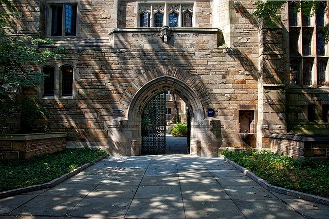 How To Get Accepted Into Ivy League Medical Schools