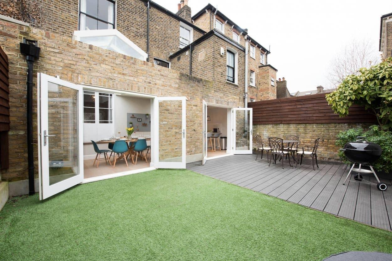 Garden space for BBQs and enjoying the sun
