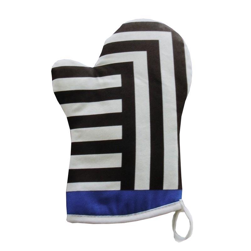 Oven Glove - Guest Bedroom Design