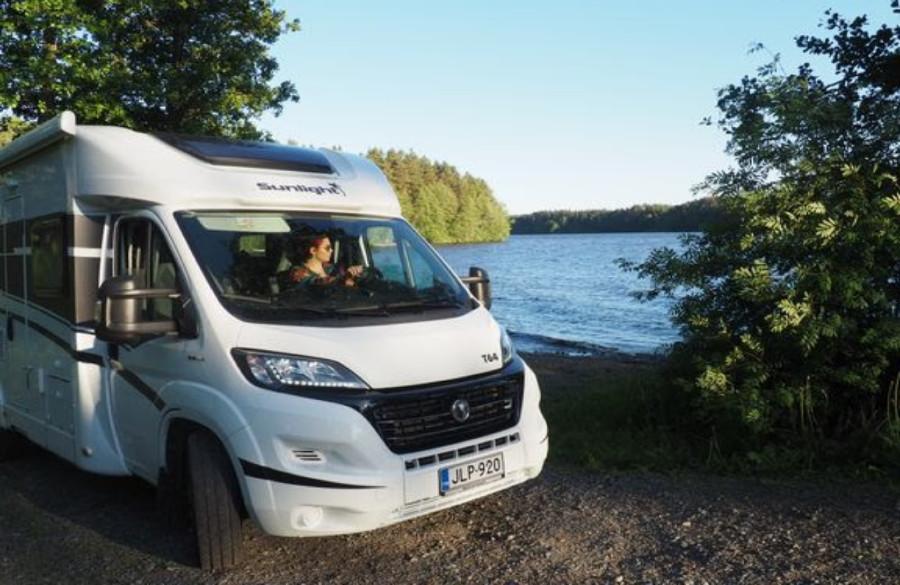 Euroopan kasvavimmaksi matkailuyritykseksi valittu Camptoo lanseerataan Suomeen