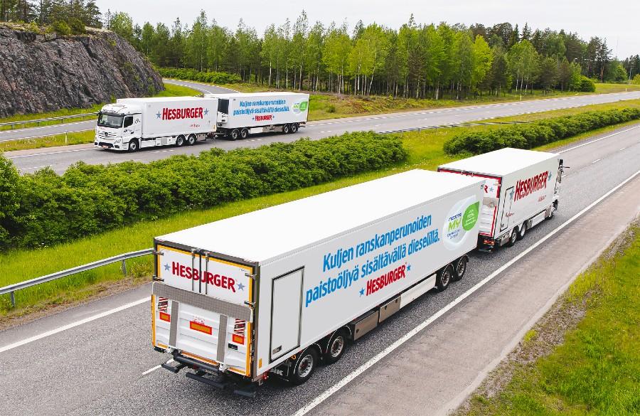 Neste ja Hesburger kiertotalousyhteistyöhön – yli 300 ravintolan paistoöljy uusiutuvaksi dieseliksi