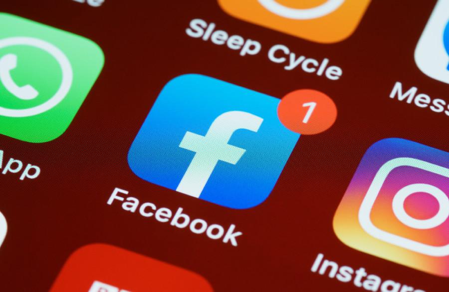 Lehti: Facebook on vaihtamassa nimeään