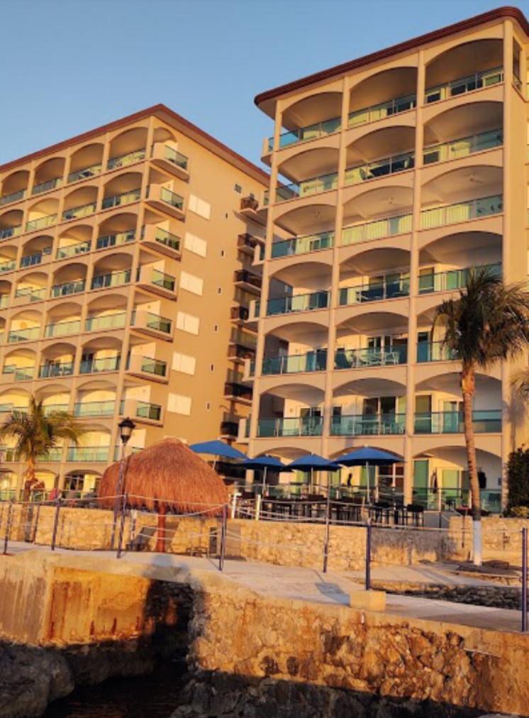Hotel Front_St.Pete Scuba