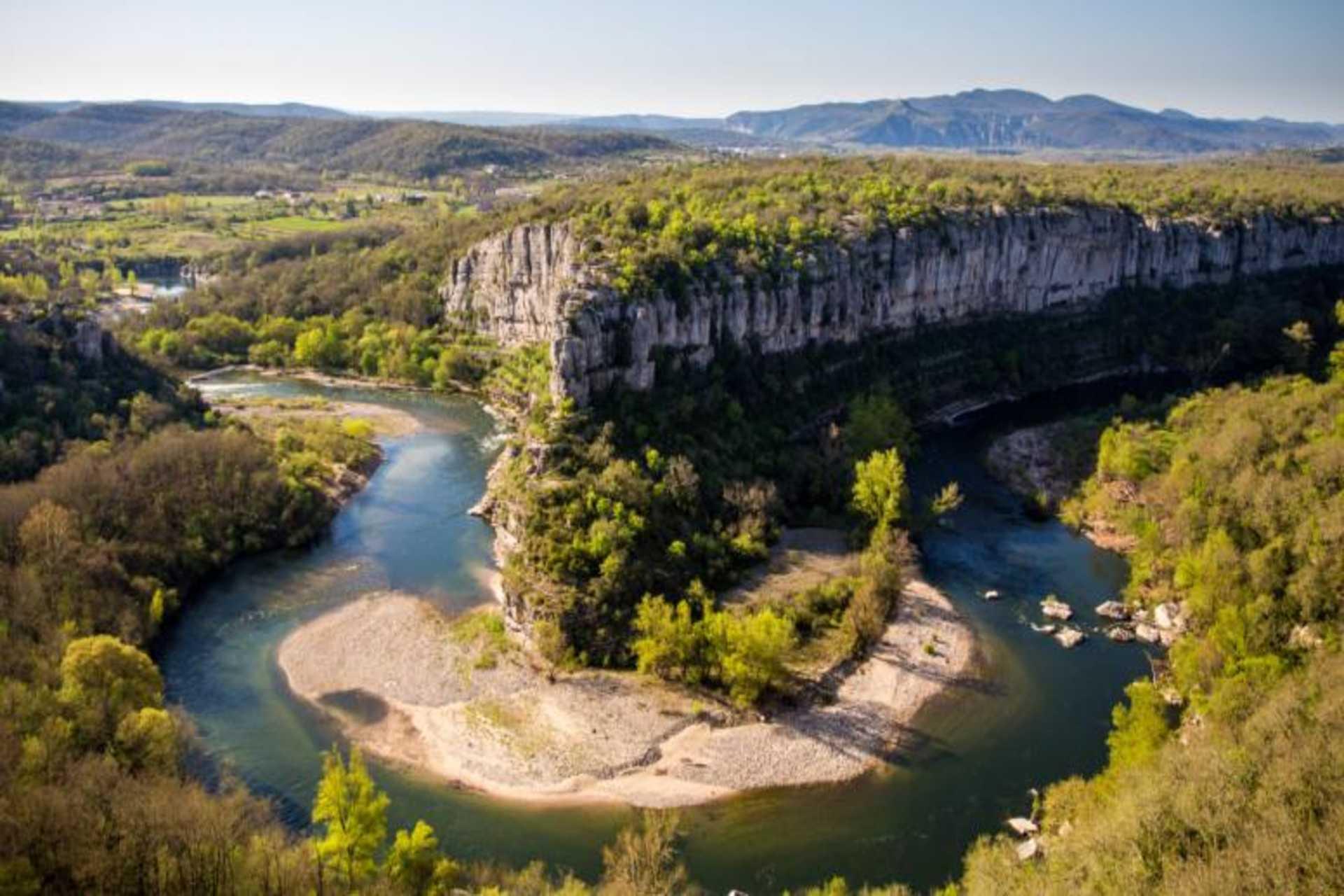 Vue sur le Cirque de Gens et les gorges de l'Ardèche