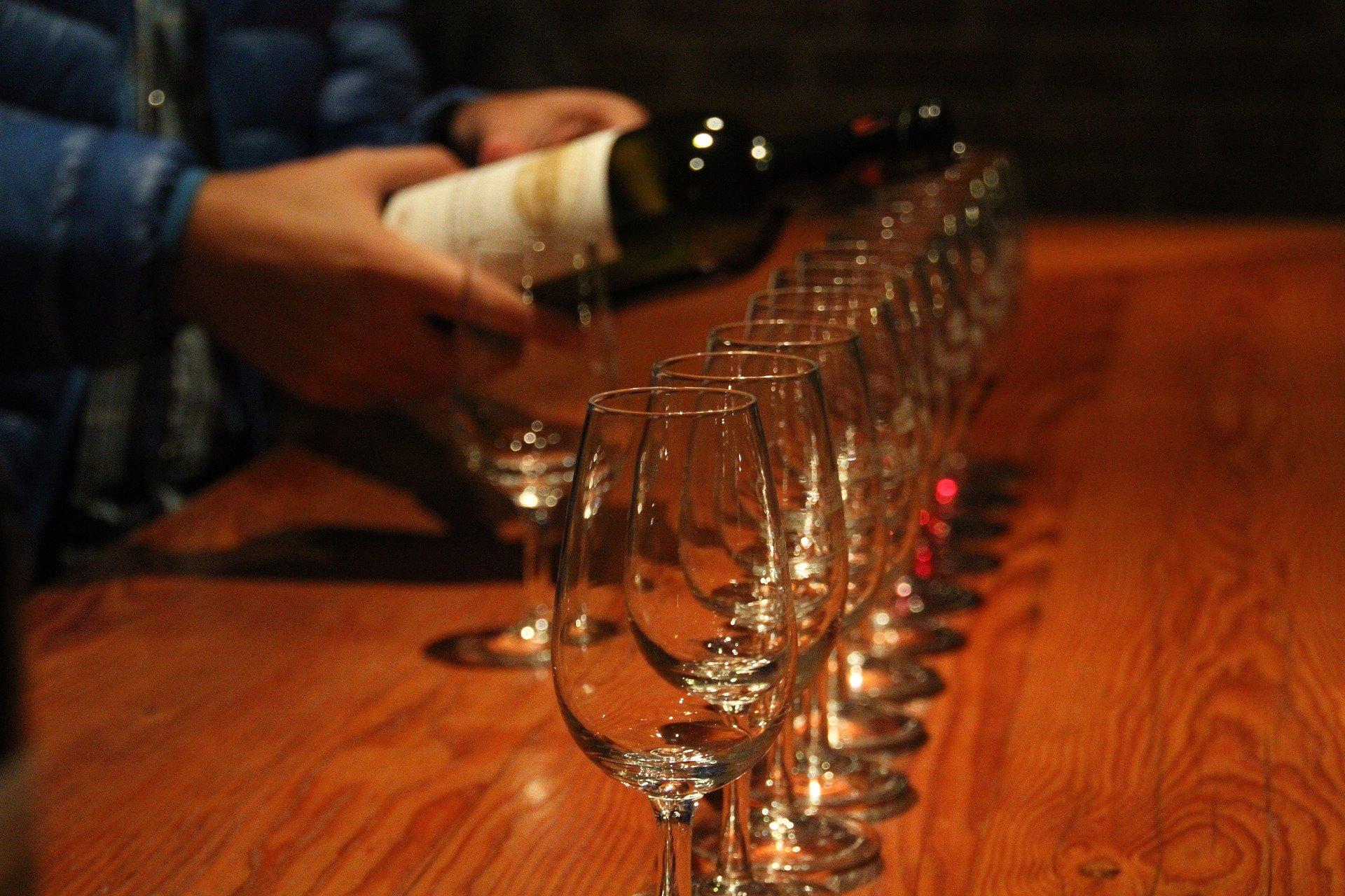Dégustation de vin dans une cave alsacienne