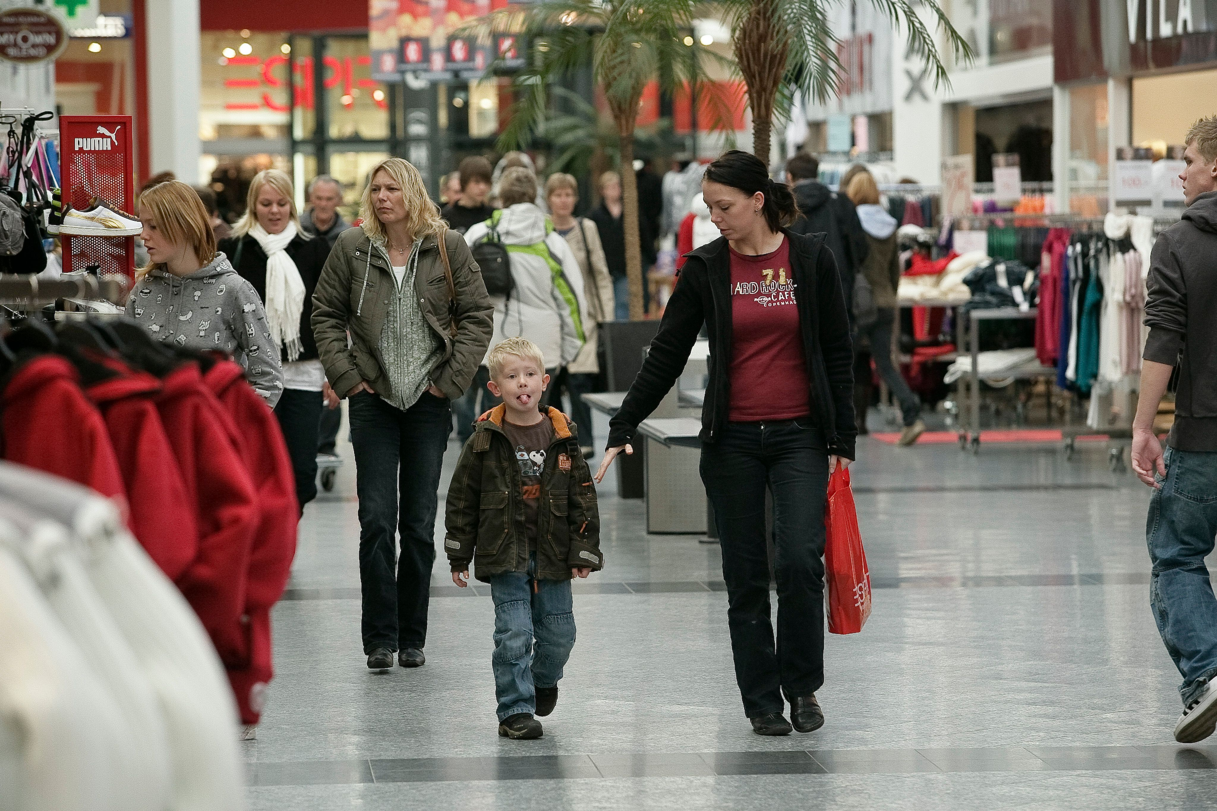 Image: Shopping center traffic (DK)
