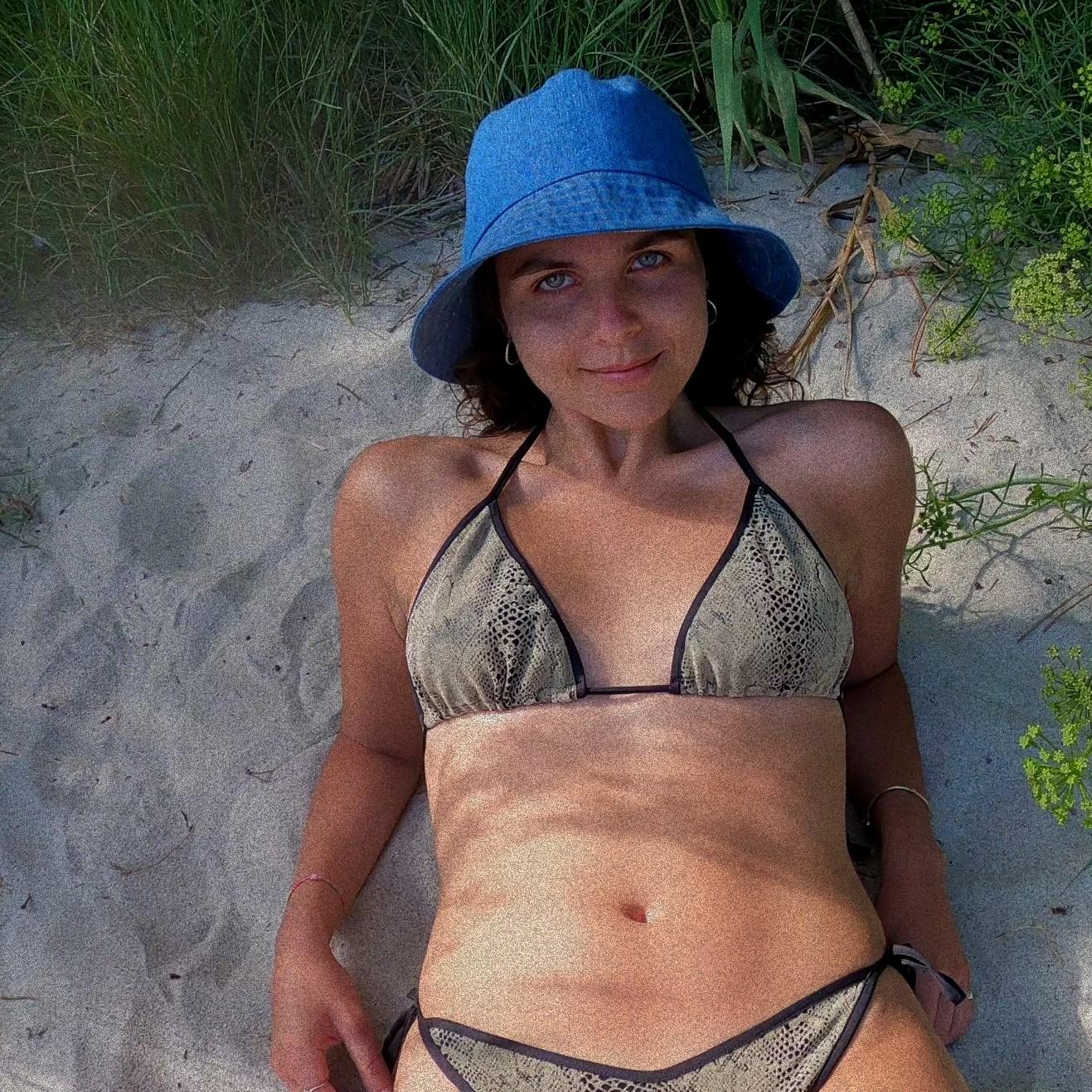 Bikini snake