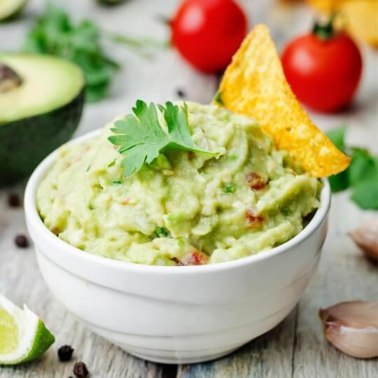 o-que-combina-mais-com-guacamole