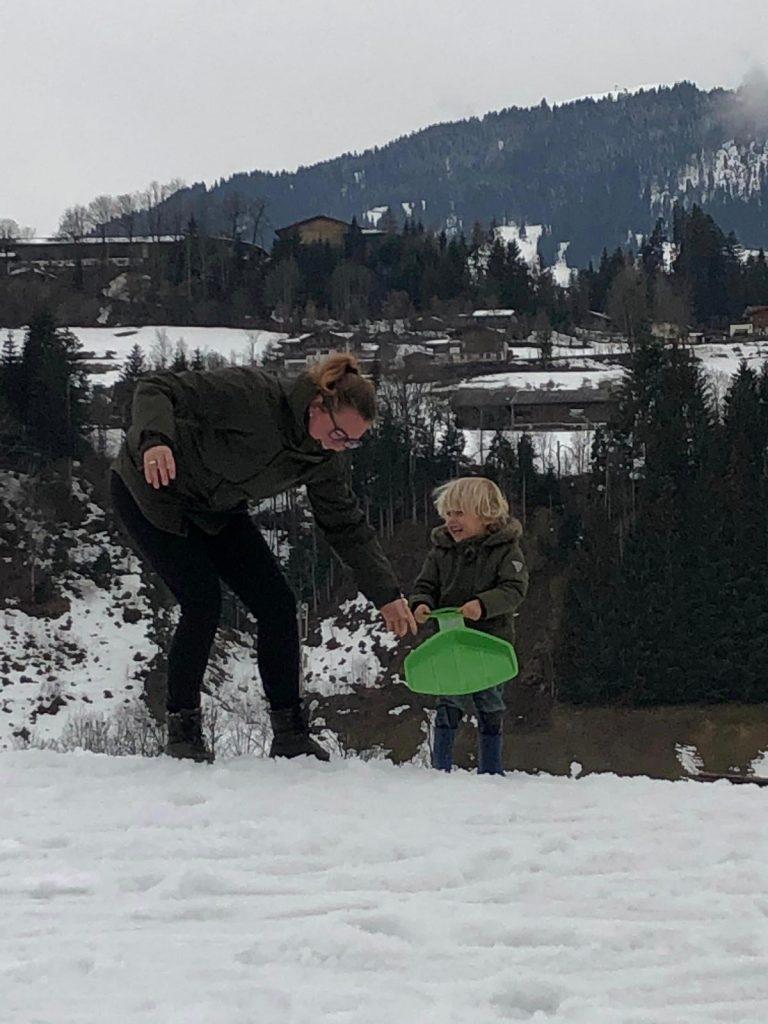 nanny mee op vakantie of wintersport