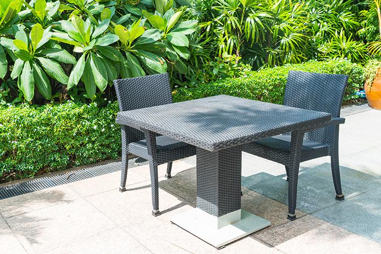 Outdoor Möbel aus Kunststoff brauchen weniger Schutz