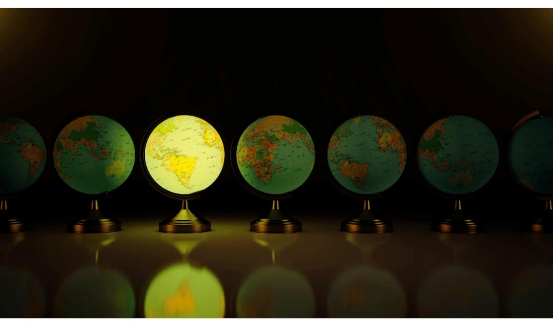 Several globes of international countries