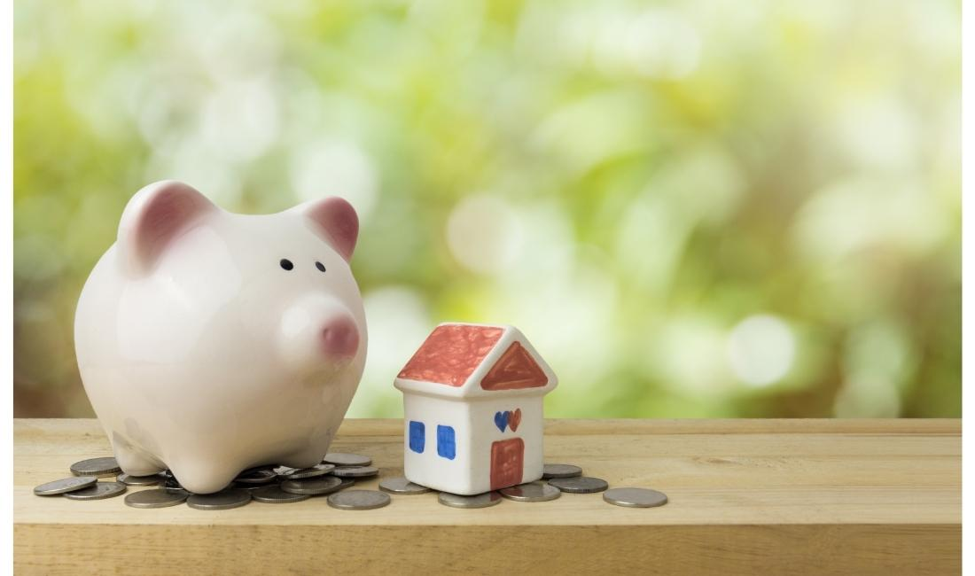 Piggy bank and small house