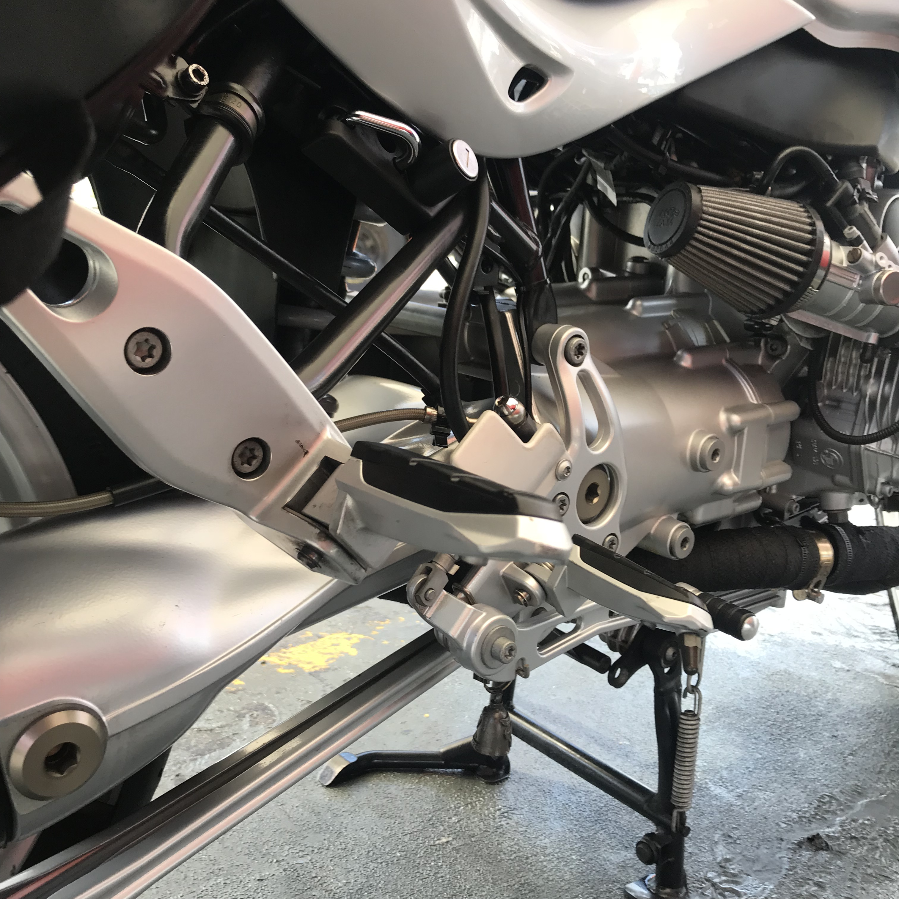 Professional detailing of motocyscle in Miami