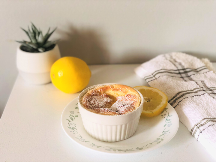 Satisfy your sweet cravings with 🍋lemon pudding cake. Great lemon flavour, sweet yet without too much refined sugars – thanks to natural sweetener (stevia)! Milk will also provide some calcium and vitamin D – great for bone health.