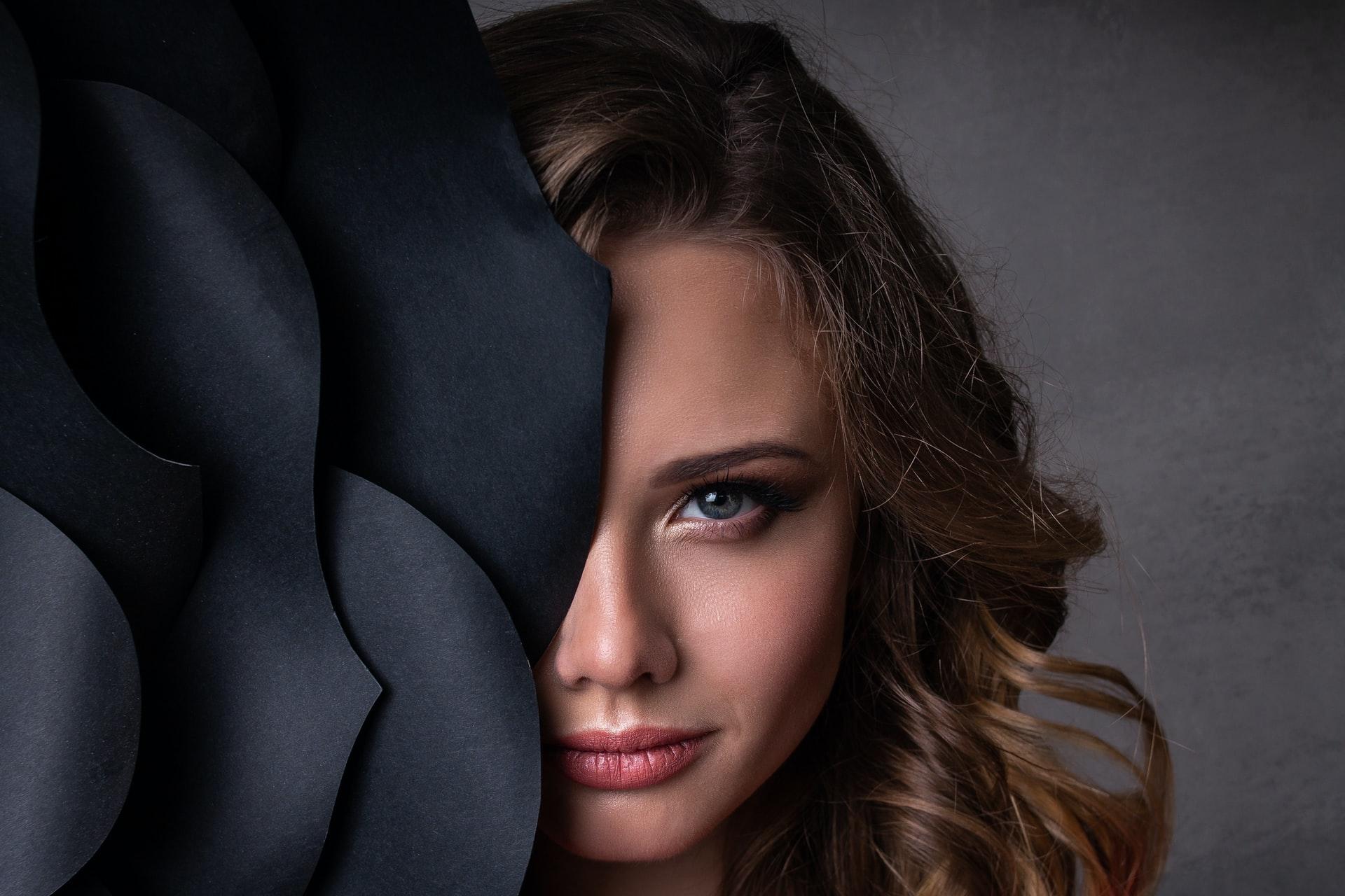 7 Manfaat Laser Wajah dari Hilangkan Jerawat Membandel hingga Keriput