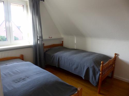 Schlafzimmer OG 2 Betten