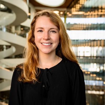 Headshot of Kate Mirabelli.