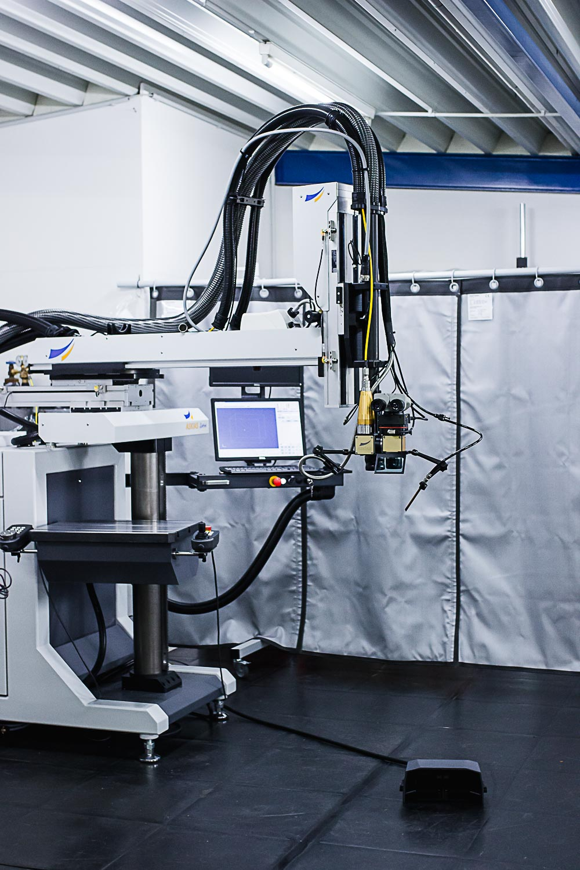 Beispiel einer Laserschweißanlage für die Medizintechnik