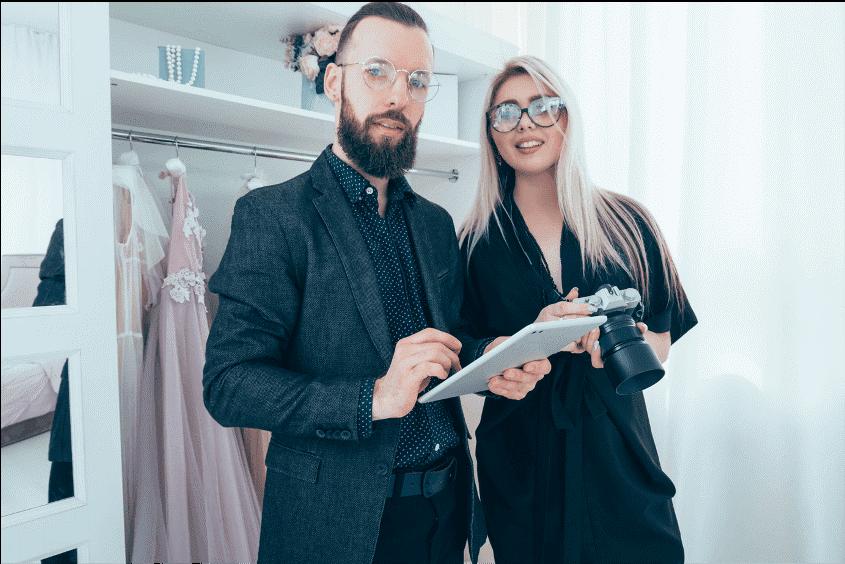 Employés de marques de mode utilisant SimpliField