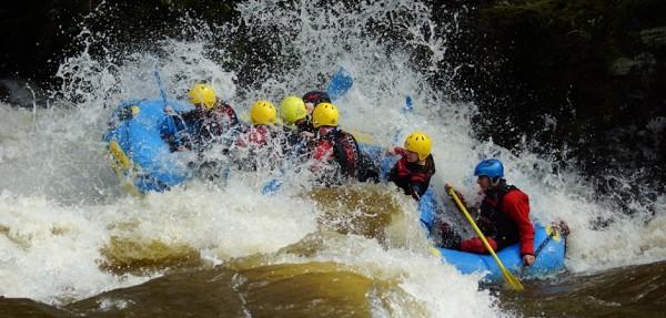 rafting-llangollen-north-wales-river-dee-_c1
