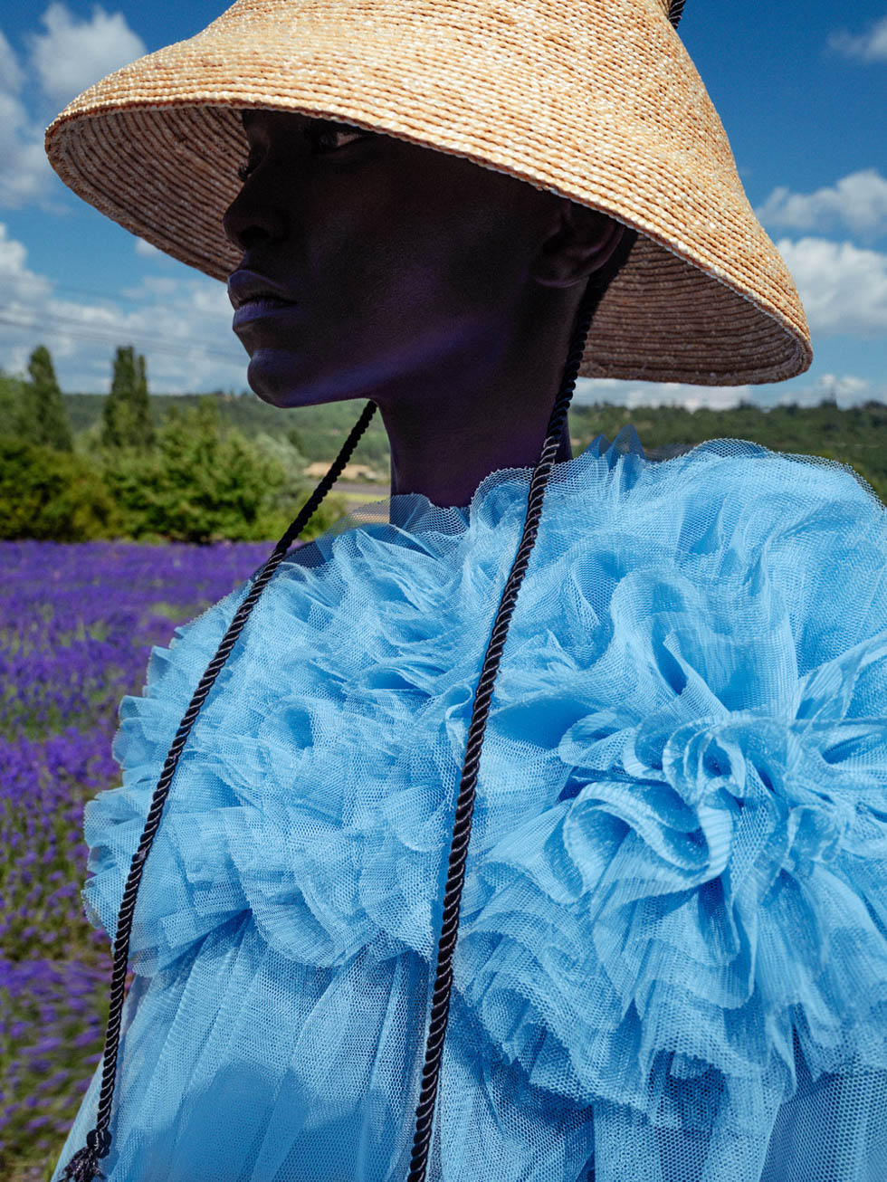 The countryside is the new black. Shot in the lavender fields of Avignon. This editorial for Vanidad needed to show the new freedom we were facing while showing the color and garment trends of the new season. Photography by Elena Iv-Skaya.